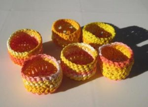 woven storage cups